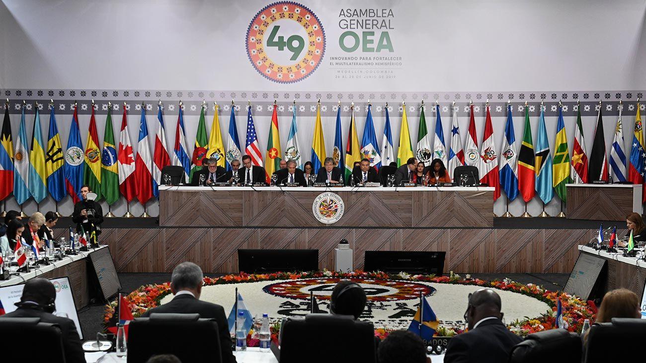 Uruguay dejó la Asamblea General de la OEA en protesta contra la delegación de Guaidó