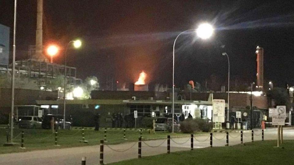 Imágenes del incendio producido tras la explosión.