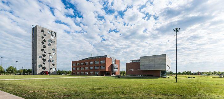 CAMPUS. La universidad privada quedó en la mira de sus alumnos ante el excesivo incremento de los aranceles.