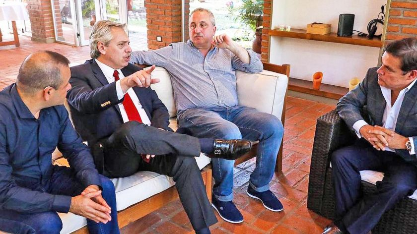 Política | Economía Política: Críticas de Alberto Fernández a Macri