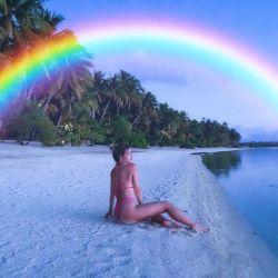 Wanda Nara sigue haciendo arder las redes sociales desde la Polinesia