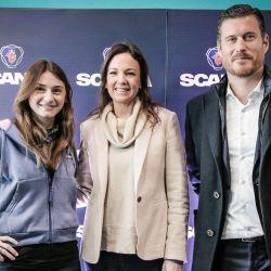Desde la izquierda: Virginia Melchor, Carolina Stanley, ministra de Salud y Desarrollo Social de la Nación, y Andrés Leonard, CEO de Scania Argentina.