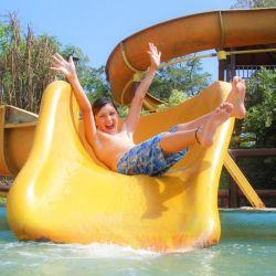 La diversión infantil está asegurada en Termas Marinas gracias a sus larguísimos toboganes.