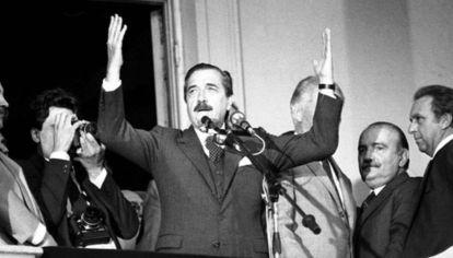 Imagen de archivo | Raúl Alfonsín cuando asumió la presidencia de la Argentina.