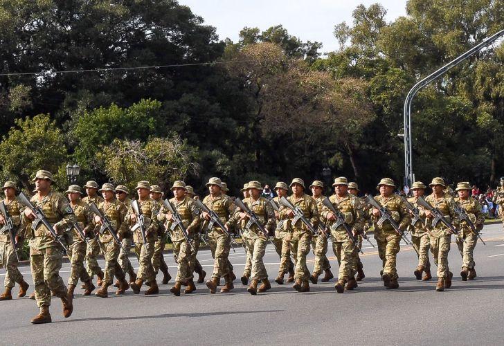 Macri encabeza el desfile militar del 9 de Julio 20190709