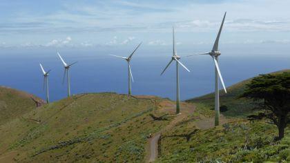 Las inversiones mundiales en proyectos de energía limpia han caído a un mínimo de seis años.