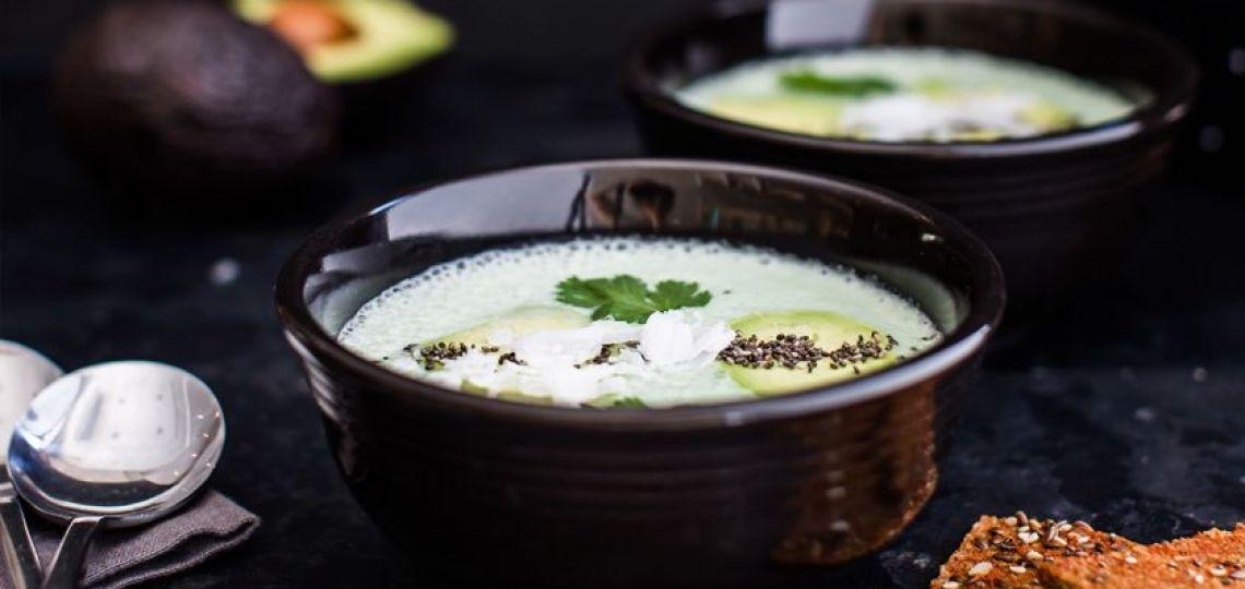 """Palta, cilantro y semillas de chia: cómo preparar una auténtica """"sopa raw"""""""