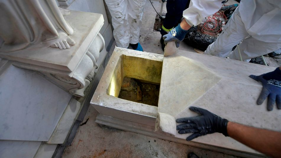 Emanuela Orlandi desapareció en 1983, con sólo 15 años. La buscan en varias tumbas del Vaticano.