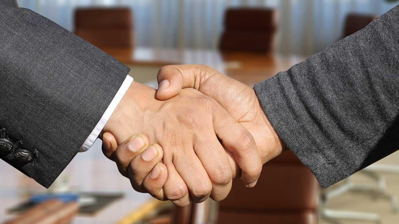 El vínculo entre el entrevistado y el empleador nace antes de la entrevista.