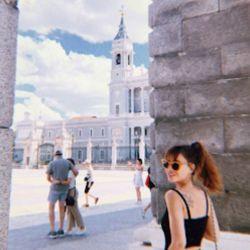 Celeste Cid viajó a Madrid con un misterioso hombre