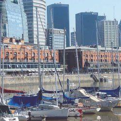 Puerto Madero concentra diversos recorridos gratuitos y otros a muy bajo precio.