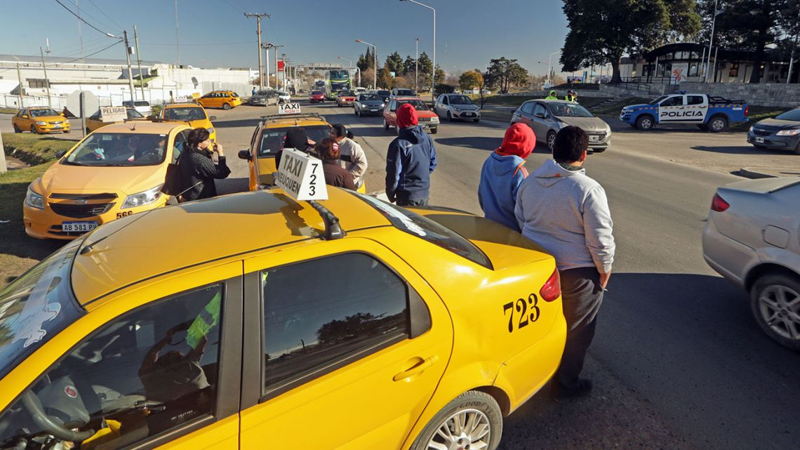 Transport workers strike in Neuquén after attack on taxi driver