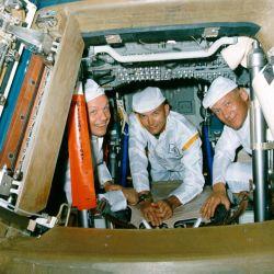 Los protagonistas del primer alunizaje humano: los astronautas de la Apollo 11.