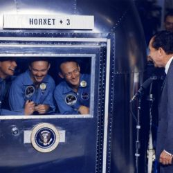 Los tres tripulantes de la Apollo 11 con el presidente estadounidense, Richard Nixon.
