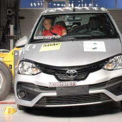 El Toyota Etios en la prueba de impacto lateral de Latin NCAP.