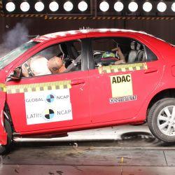 El Toyota Etios en la prueba de impacto frontal de Latin NCAP.