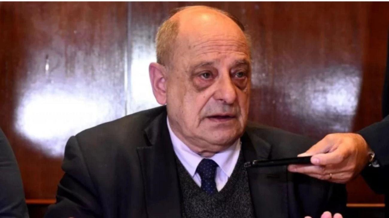 El intendente de Mar del Plata, Carlos Arroyo (foto) tuvo una vergonzosa frase al referirse al opinar sobre el servicio militar obligatorio.