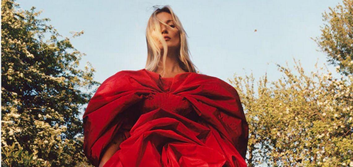 Kate Moss protagoniza la nueva campaña de Alexander McQueen