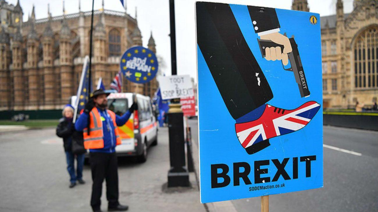 BREXIT. Inusual combinación de nacionalismo irracional y autodestructivo.