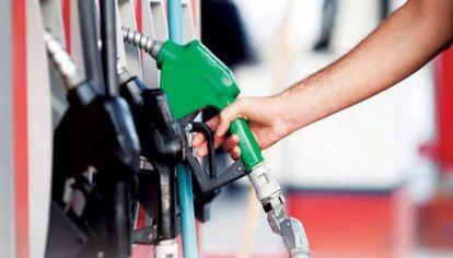 Los precios del barril de crudo se derrumbaron a su menor nivel en 29 años.