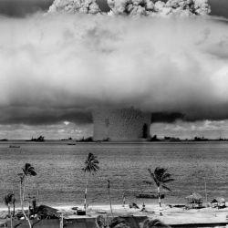 Fueron 12 años de pruebas nucleares que, como era de esperar, dejaron una huella invisible y muy peligrosa.
