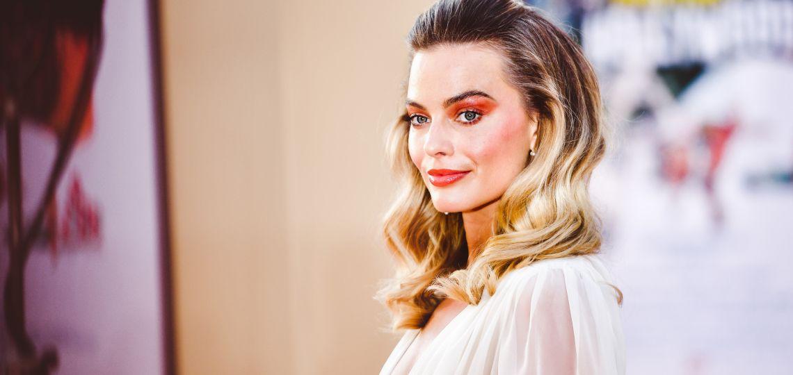 Margot Robbie luce una de las tendencias de make up más potente de la temporada