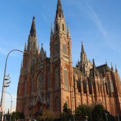 Nos tomamos el tren a La Plata para pasar un fin de semana recorriendo la ciudad de las diagonales en modo slow.