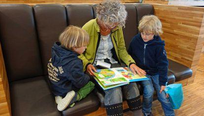 La relación con los abuelos es por lo general una referencia memorable en la vida.