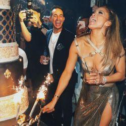 Jennifer Lopez cumplió 50 años y su novio la sorprendió con un costoso regalo