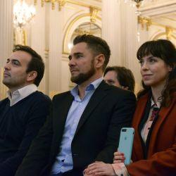 La actriz acompañó al periodista, quien recibió un reconocimiento en en la Legislatura porteña.