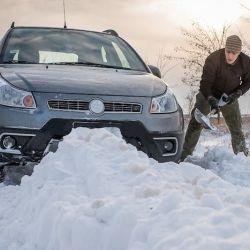 Los cambios climáticos pueden sorprendernos mientras conducimos de un lugar a otro. Qué hacer si nos encontramos en medio de un temporal de nieve.