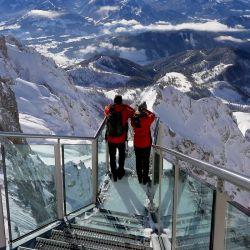 Mirador de 360 grados ubicado en el macizo rocoso de Dachstein, a 2.700 metros de altura.