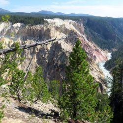 """Desde lo que se conoce como el """"South Rim Trail"""" la vista es insuperable: allí los visitantes pueden apreciar todo el panorama del Gran Cañón del parque."""