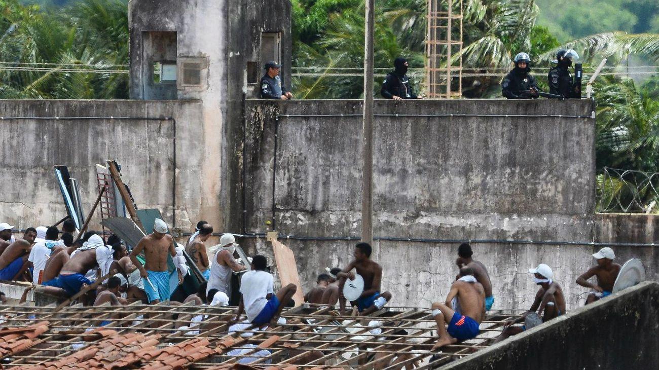 Al menos 52 muertos tras una pelea de bandas en una cárcel de Brasil: 16 decapitados