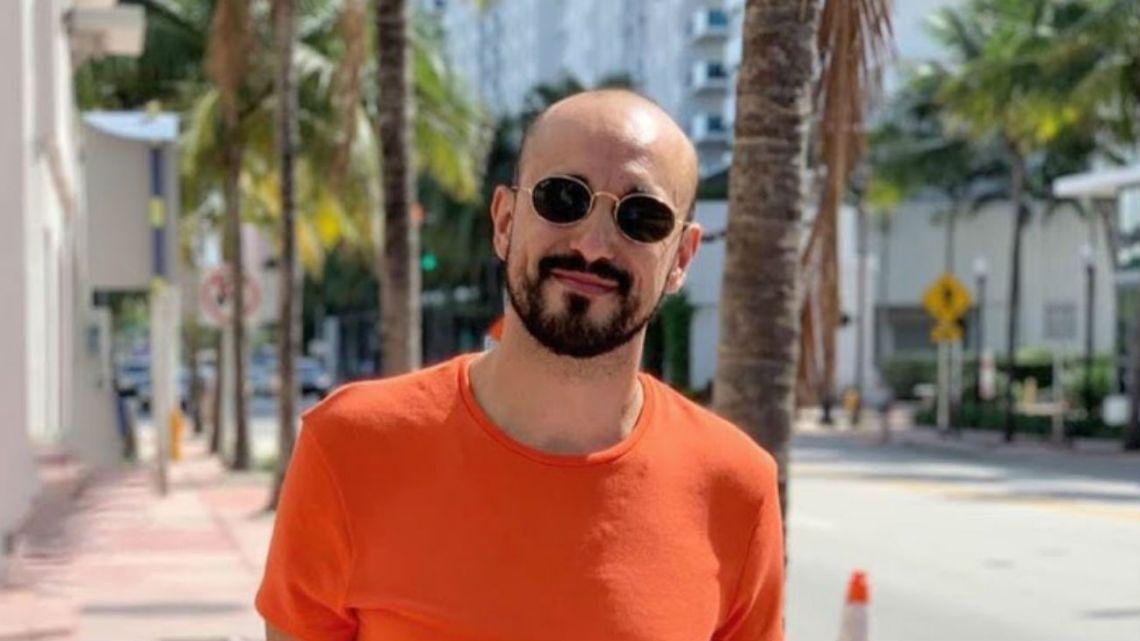 Abel Pintos confirmó oficialmente su noviazgo con Mora Calabrese
