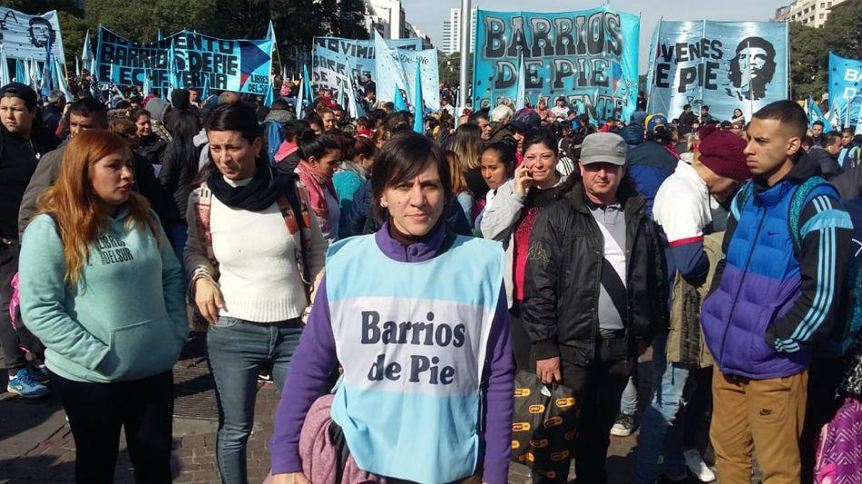 Silvia Saravia, la titular de Barrios de Pie, encabeza la protesta con ollas populares de este miércoles en el Obelisco.