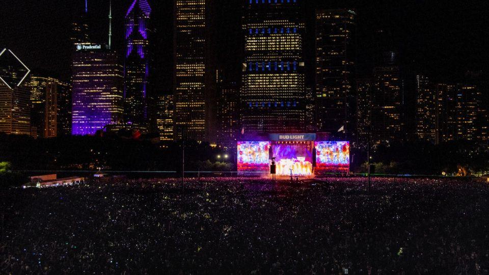 Lollapalooza fue fundado como un festival itinerante en 1991 y, luego de un impasse, hizo su esperado regreso en 2003, año que visitó más de 50 ciudades norteamericanas.