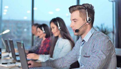 Teléfonos. En general, los encuestadores trabajan con tres tipos de mediciones: las presenciales, las online y las teléfonicas, un método que aún conserva eficacia.