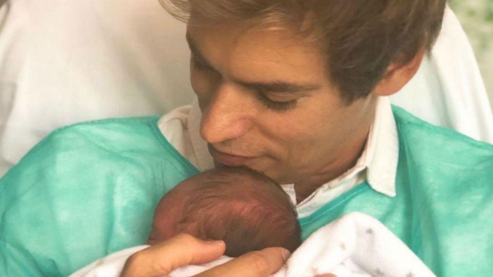 Carlos Baute presentó en sociedad a su hija recién nacida