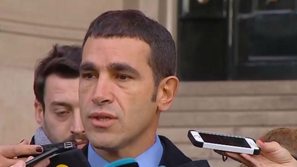 Diego Pirota en antes de ingresar al Palacio de Tribunales.