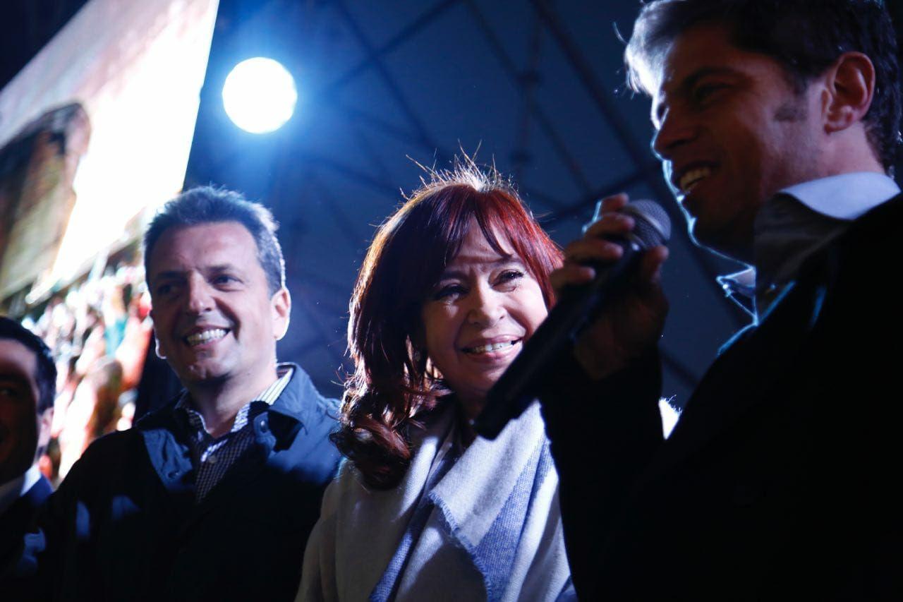 """La primera foto de campaña de Cristina con Massa: """"Si nos peleamos nos devoran los de afuera"""""""