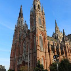 La Catedral de La Plata recién se terminó a fines de la década del '90 pese a que es parte del trazado original que se inauguró en 1882.