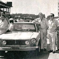 La Misión Argentina: los pilotos nacionales y uno de los vehículos utilizados en la recordada carrera.