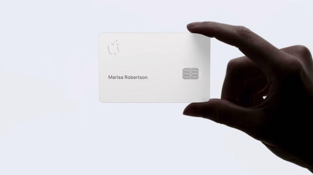 La tarjeta de crédito de Apple sale a la acción: entregan las primeras a clientes