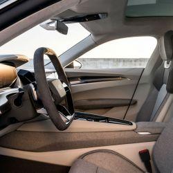 El habitáculo del Audi e-tron GT.