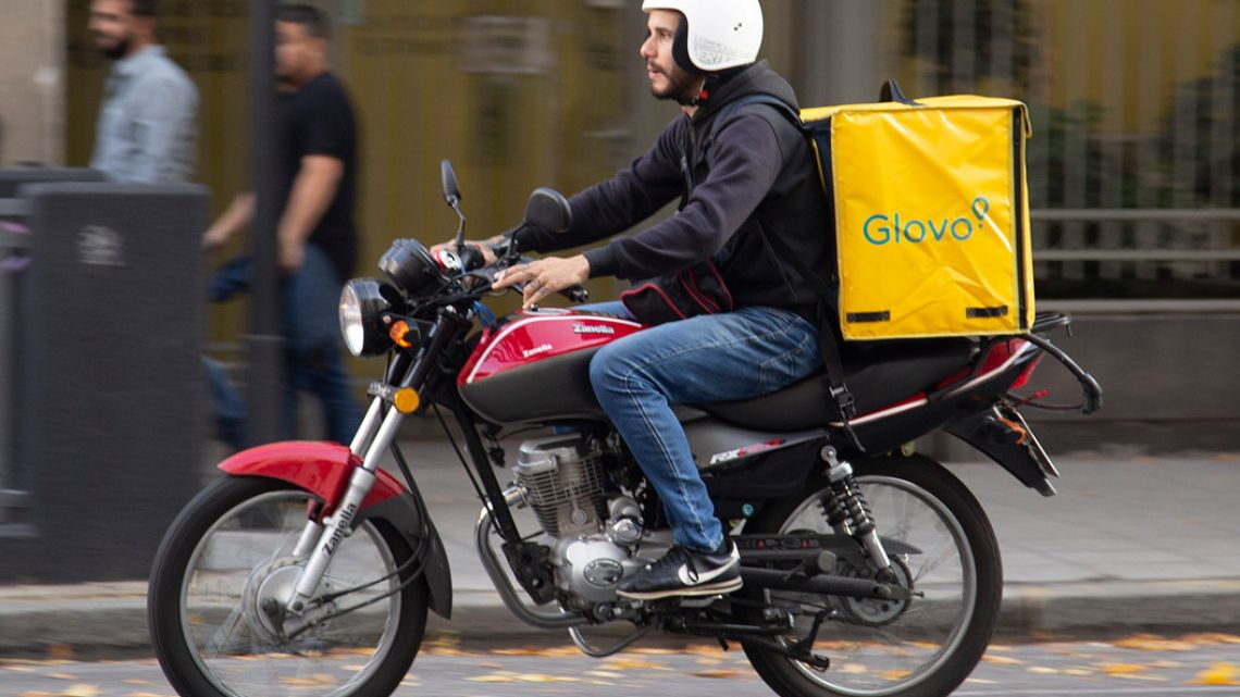 A Glovo delivery man in Buenos Aires.
