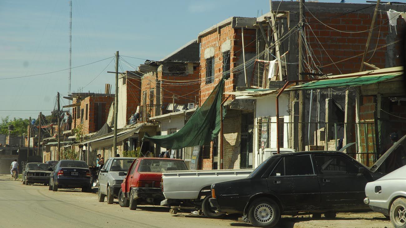 El juez Gallardo multa al Gobierno porteño por no resolver el riesgo eléctrico en la Villa 21-24