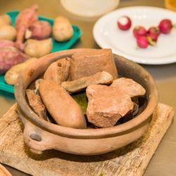 Pescado de río, mandioca, yerba, té, quesos, miel de caña o abejas, tacuara, maíz, palmito, maracuyá, mamón, palta, guayabas y melones se ofrecerán en menús de tres pasos.