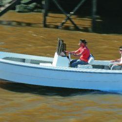 Un trucker es una embarcación del tipo abierta, muy liviana, que está regulada por Prefectura.