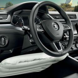 Dudan de la eficacia del airbag de rodillas
